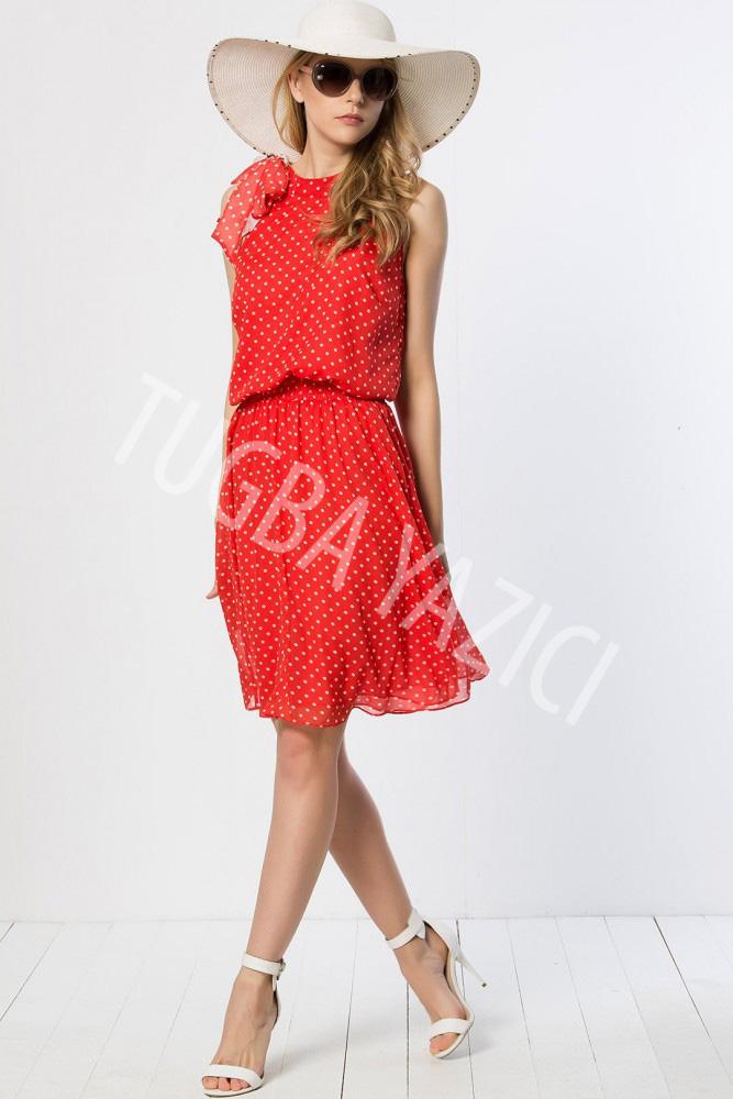 Puantiyeli Kırmızı Elbise